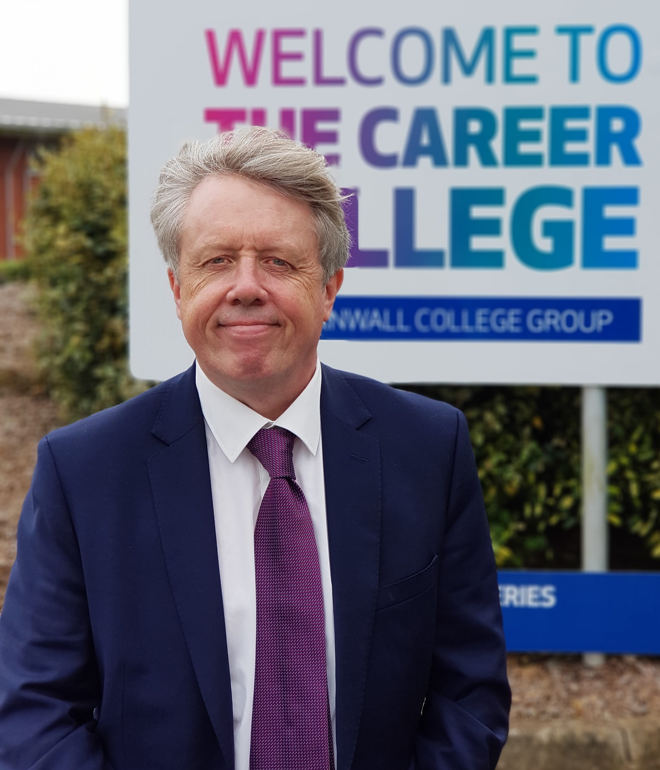 £3,000 apprenticeship hire cash boost extended